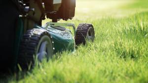 Aurora-illinois-Landscaping-Lawncare-Mowing-Grass