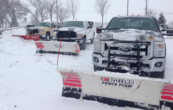 Snow-Removal-Aurora,-IL-Winter-Plowing-Blowing