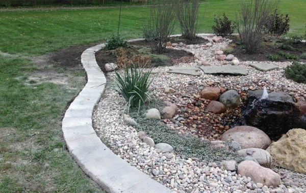 landscaping-installation,retaining-walls,mulch,tree-removal